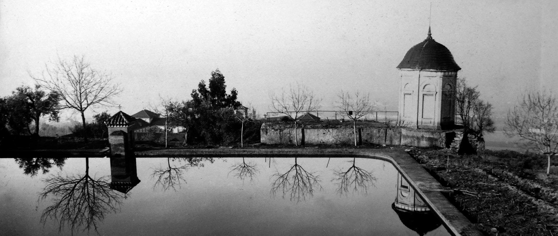 """Fotografia de archivo en el tráiler del documental """"Campus de Cartuja"""" realizado por Ínsula Sur"""