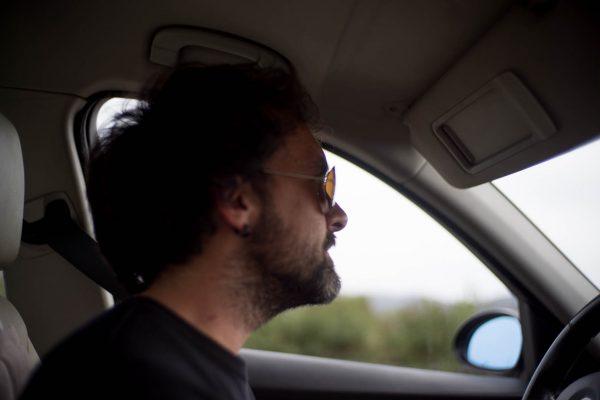Javier Morales localizando para grabación de recursos en el documental de La cosecha de los Lunares